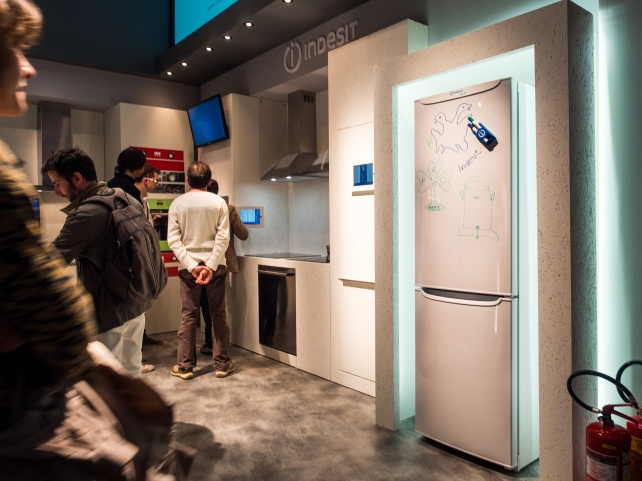 Whiteboard deursticker - voorbeeld showroom